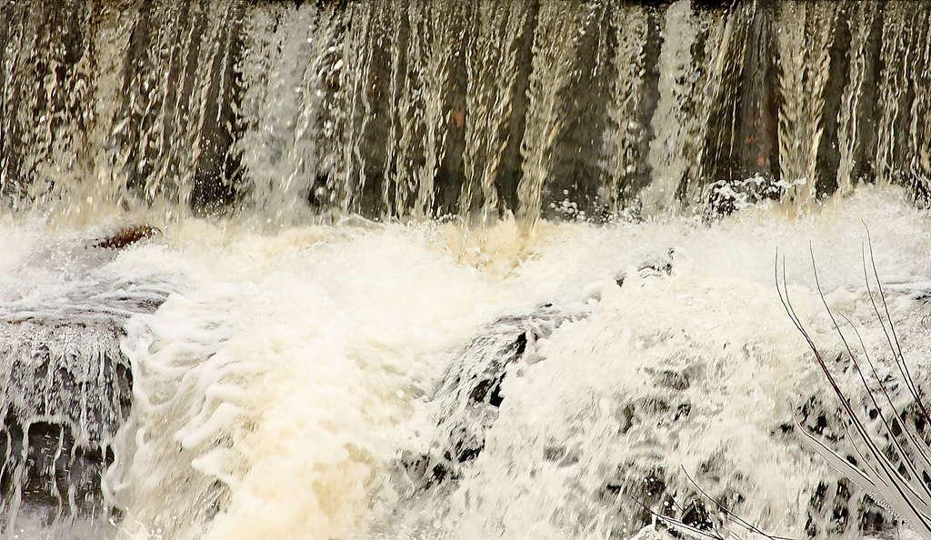 172_Waterfall-2_Doug-Pederson